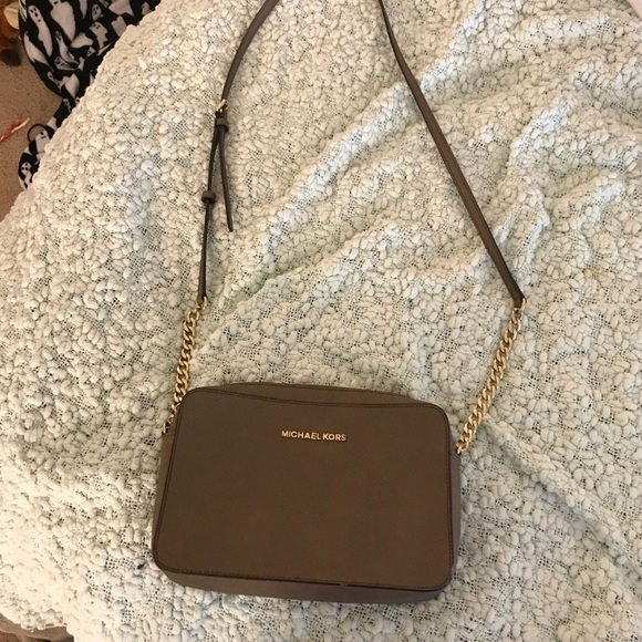 4dfb92897461 Michael Kors Bags | Jet Set Large Saffiano Leather Crossbody | Poshmark